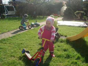 Kind-mit-Roller