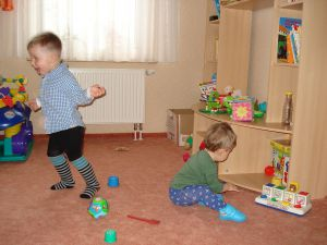 Kinder-beim-Spielen