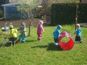 Kinder-im-Garten
