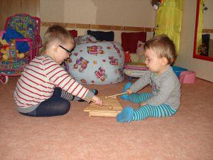 Kinder-machen-Musik